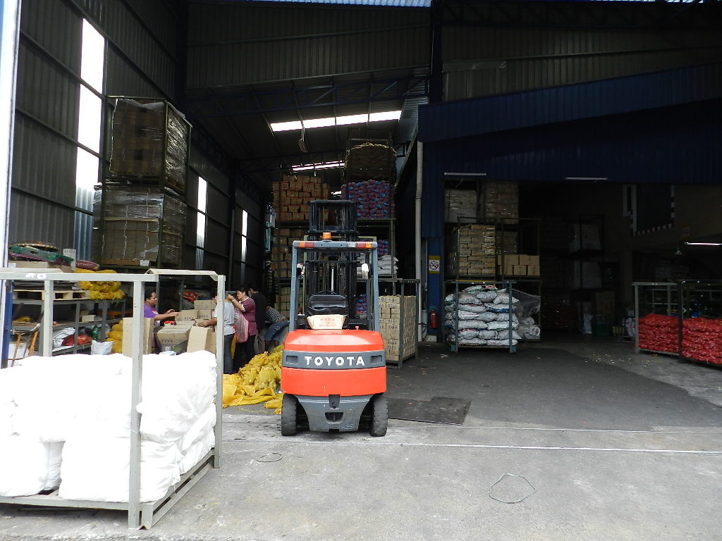 warehouse-no12-main-door-01