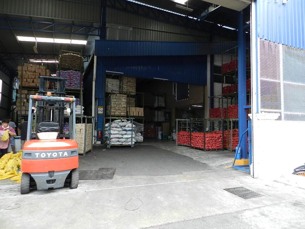 warehouse-no12-main-door-02